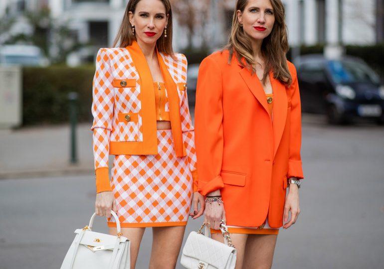 Jak nosić mini spódniczki i sukienki, by przypadkiem nie stracić stylu?