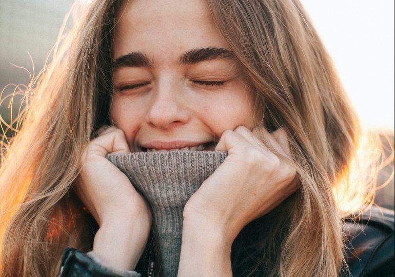 3 zabiegi na włosy, które możesz zrobić w domu i które poprawią kondycję kosmyków po zimie