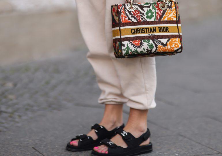 Stworzyłyśmy gorącą shopping-listę sandałów na rzepy, czyli butów, które w tym sezonie skradły serca it-girls