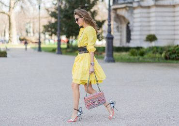 Jak nosić sukienki z falbanami?
