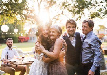 Jaki dress code obowiązuje na weselu mamę i teściową młodej pary?