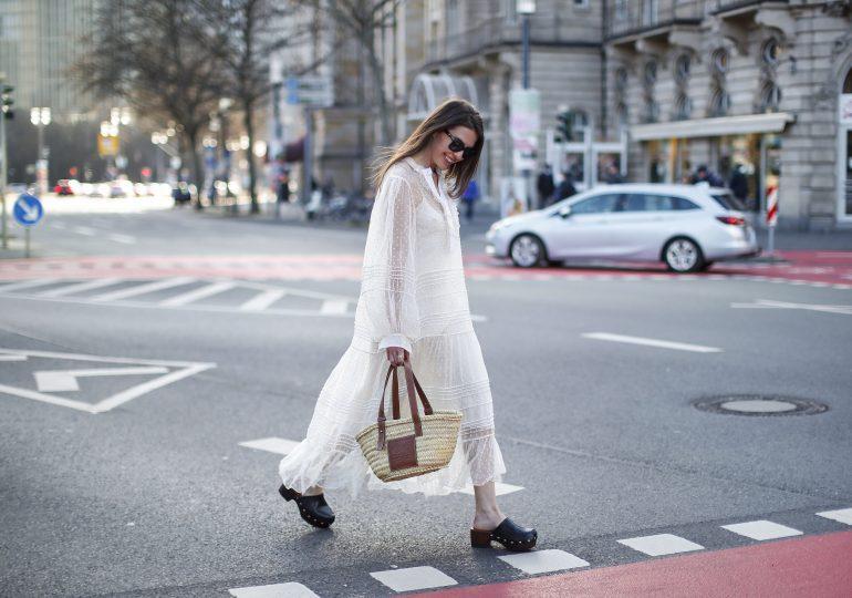 Jak nosić maxi sukienki? 3 stylowe porady redakcji